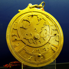 An 18th Century Persian astrolabe – maker unknown. The points of the curved spikes on the front rete plate, mark the positions of the brightest stars - Finances