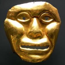 Funerary mask, Ilama (Yotoco Calima), Colombia, 1st milliennium BC, gold sheets. Ethological Museum, Berlin-Dahlem.